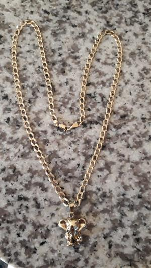 Beautiful 9ct Gold chain with 1x 9ct Elephant pendant with 3x diamonds for R15,000.00