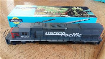 8490 Southern pacific model train