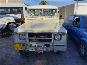 1981 Land Rover Defender Cup
