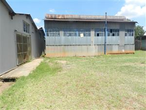 FOR SALE Large 3083m2 floorarea factory in Rosslyn