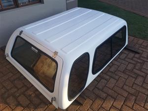 Canopy white Ford ranger supercab XLT 2010