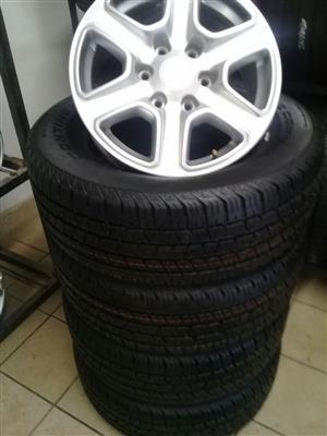 Ford Wildtrack 18 inch with 265/60/18 Continental cross contact on special for R8500 set