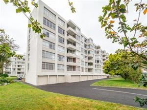 """Emeraldene "" apartment block to let Wynberg Upper"