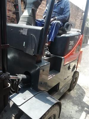 Forklift Doosan 3.5 ton Diesel 4m lift with side shift