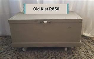Old kist for sale