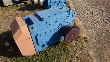 Flender Gearbox 148 kW Ratio 32:1 (Refurbished)