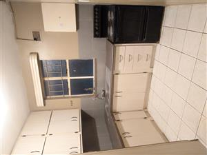 R2600 & R1800 Sunnyside, Muckleneuk flat rooms to rent