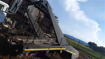 Skip loader in working condition