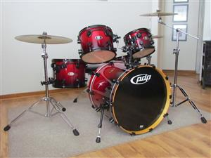 Price giveaway ! PDP (owned by DW)BX BIRCHWOOD Lacquer finish Drumset. NO MARKETERS