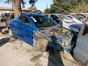 Opel Tigra Z14XEP stripping for spares