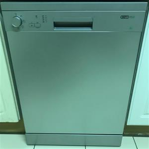 Defy DDW176 Dishwasher (Metalic, almost new)