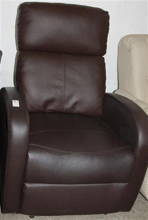 S034726B Black leatherite recliner couch #Rosettenvillepawnshop