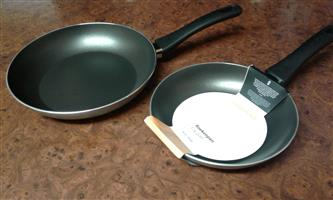 FRYING PANS: 20 and 24 cm  (Royal VKB)