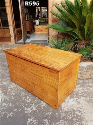 Wooden Pine Toy Kist (855x470x490)