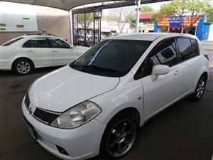 2010 Nissan Tiida hatch 1.6 Visia+