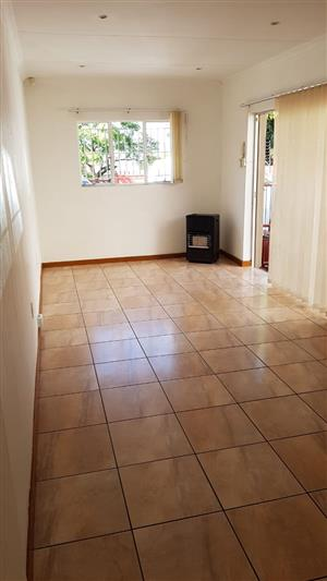 Kew garden cottage to rent for R3200