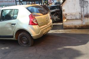 We are stripping Renault Sandero 1.6 Expression