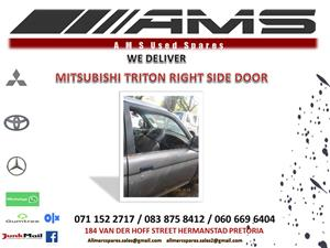 MITSUBISHI TRITON RIGHT SIDE DOOR