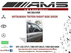 MITSUBISHI TRITON RIGHT SIDE DOOR