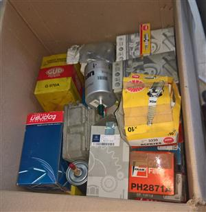 Mixed box of new vehicle spares