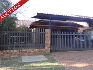 Wednesday 17 July! Lovely 3 bed house with unique lapa in Annlin on Auction!
