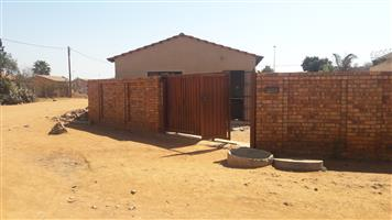 2BEDROOM HOUSE AT EXT 9 SOSHANGUVE FOR RENT