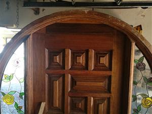 Arch door fame + door