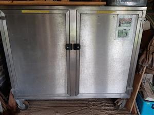 Stainless Steel Storage cabinet (W 1700xH 1250x D 800)