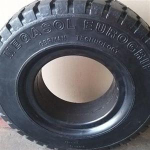 Forklift Tyres
