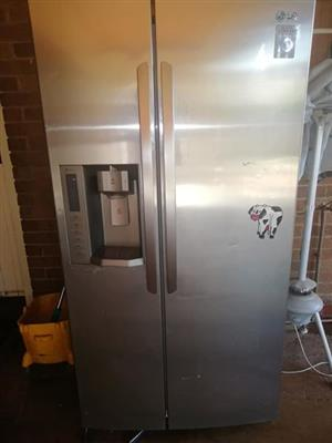 LG Double door fridge/freezer