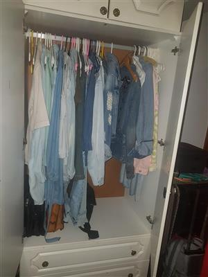 Bulk: Ladies  clothes  and shoes