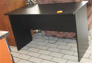 Black study desk S031104F #Rosettenvillepawnshop