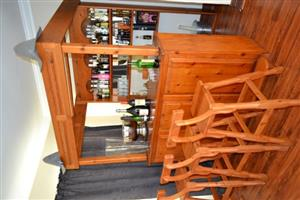 Oregon pine bar with 4 chairs