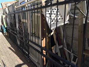 Large Security sliding galvanised gate with extra palisade fencing