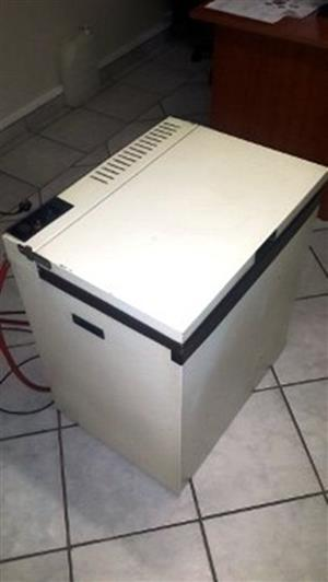 3 way Edesa vife star freezer for sale (Gas, 12v, electric)