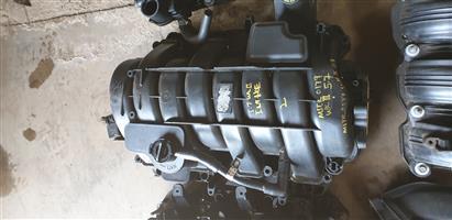 Jeep Grand Cherokee WKII 5.7 Hemi V8 Intake Manifold