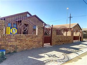 3 bedroom house to rent in soshanguve ww