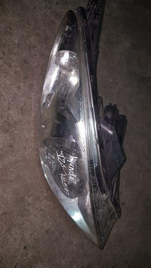Hyundai i20 LF headlight for sale.