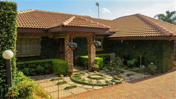 STUNNING 3 BEDROOM HOUSE, RIETFONTEIN