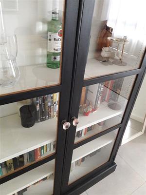 Beautiful drinks cabinet/bookshelf