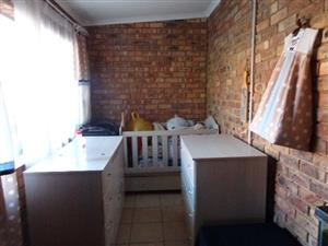 STILL AVAILABLE 3 BEDROOM MODERN GARDEN FLAT TO RENT - THERESAPARK, PRETORIA NORTH