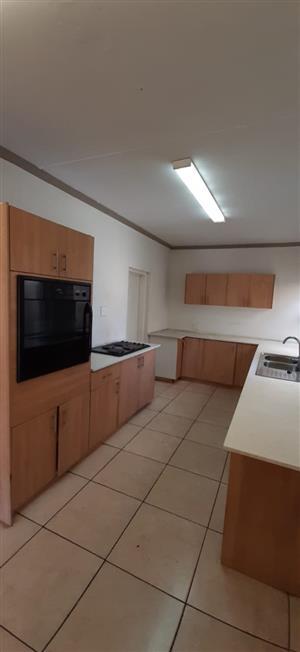 One bedroom cottage to rent in Morningside manor / Sandton