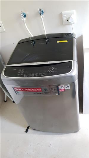 Large 15kg LG Washing Machine Silver 99.9% reduced allergens