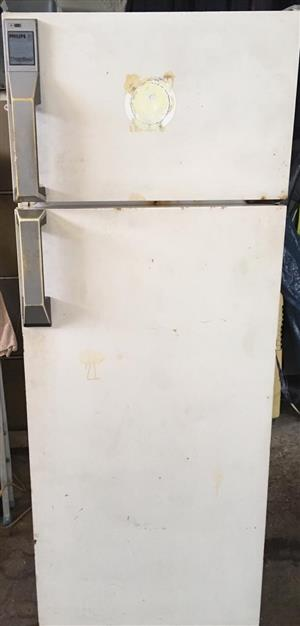 Phillips Fridgefreezer combo 250l - Old but working perfectly for sale R600 call 0812322401