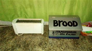 Bread bin and 4 slice toaster