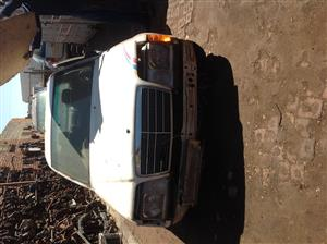 Stripping Mercedes Benz W124 1987 for Spares