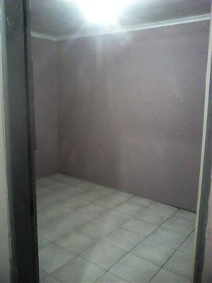 Bachelor unit for rental in Dobsonville BramFischer Ex 14 – R2500