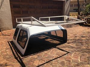 Nissan 1400 Beekman Canopy + Roof Rack
