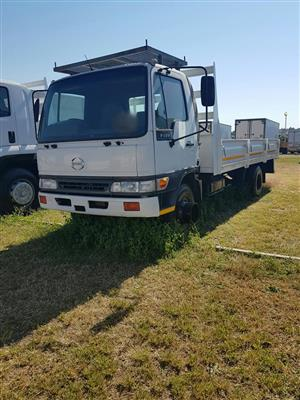 2004 Hino 9-136 dropside truck for sale
