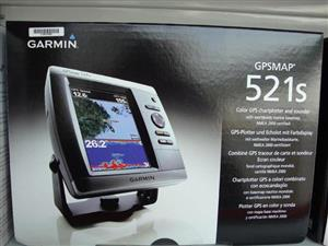 GARMIN GPSMAP 521S FISH FINDER WITH DUAL FREQUENCY TRANSDUCER